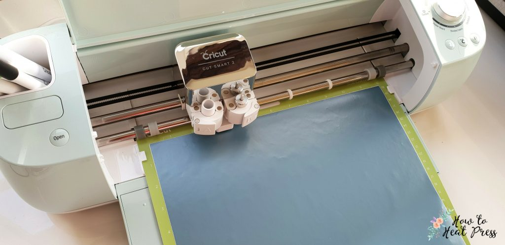 cricut ocean vinyl in cricut explore air 2 cutting machine