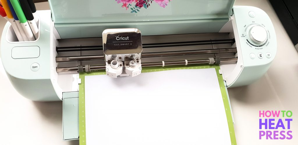 how to cut htv on cricut