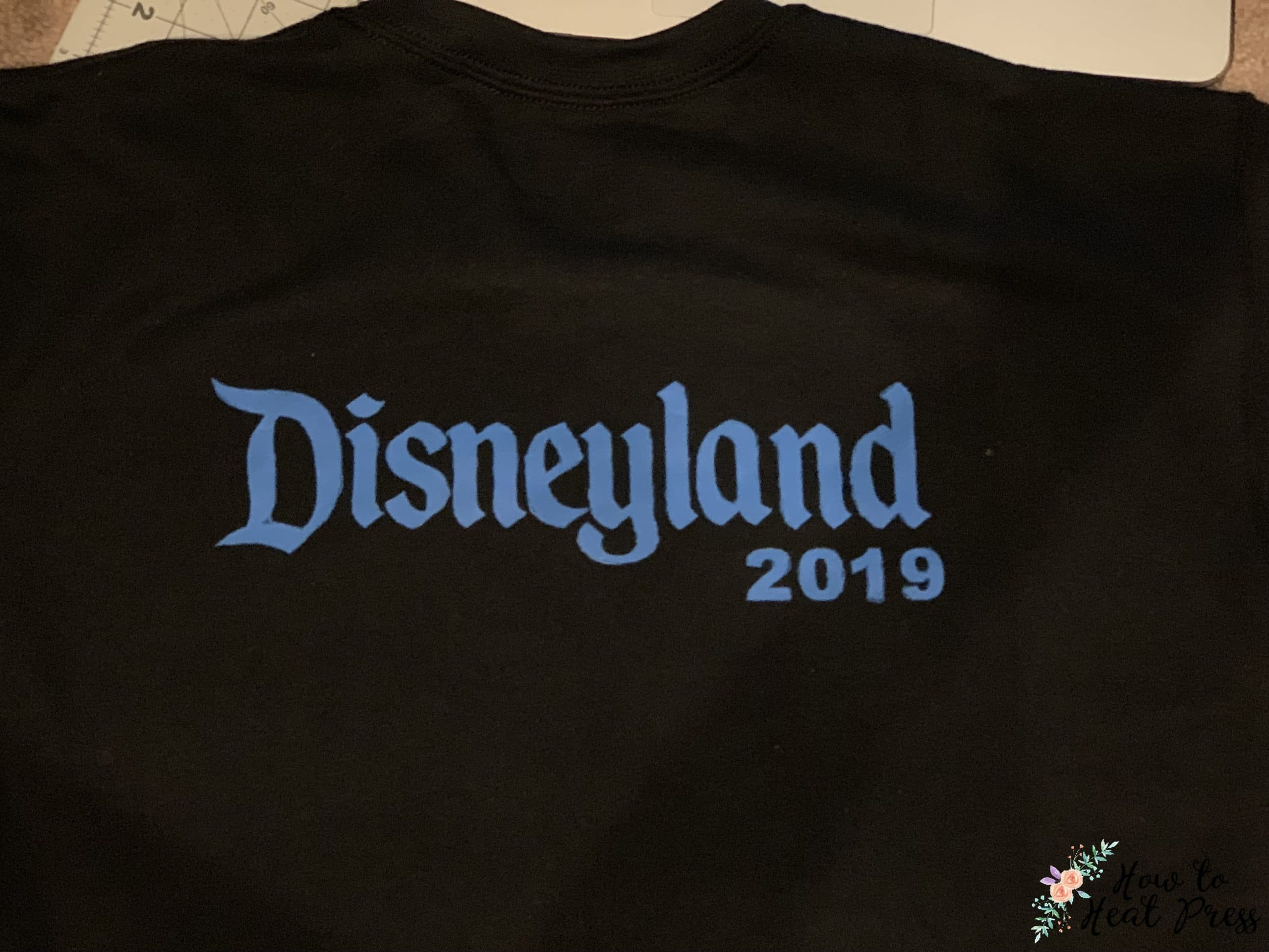 Cricut disney t shirt mickey mouse freezer paper project with speedball ink